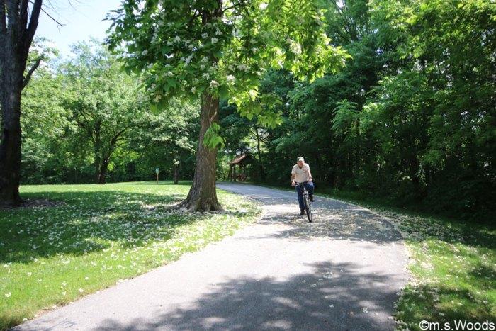 bicyclist-ride-through-asa-bales-park-westfield