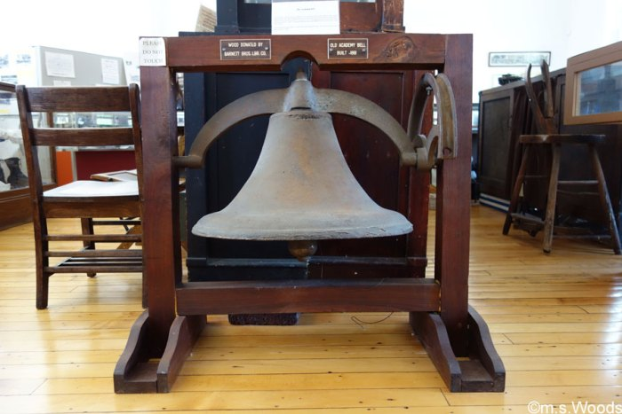 academy-building-and-museum-old-academy-bell-mooresville