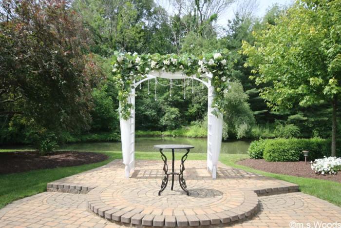 avon-perennial-gardens-wedding-area
