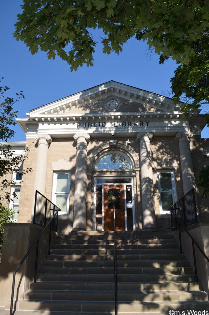 danville-public-library-exterior-photo