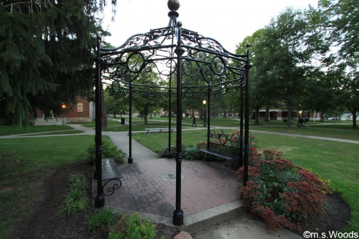 benches-franklin-college