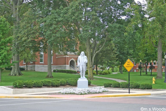 franklin-college-statue