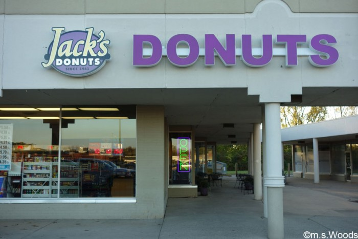 jacks-donuts-greenfield