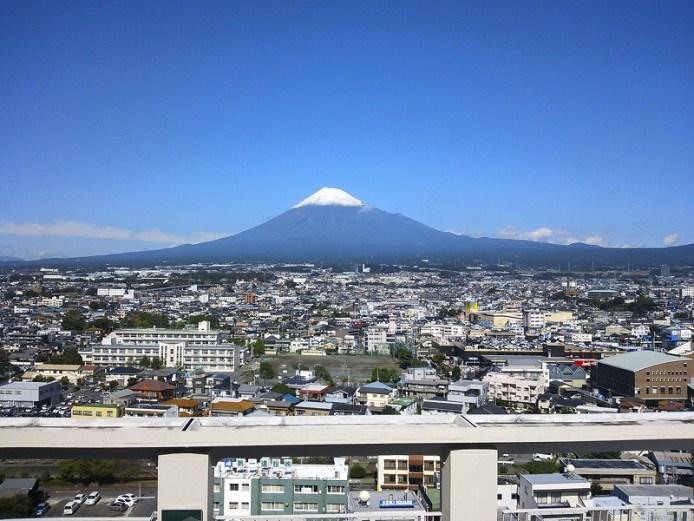 「しらす絶景下山ハイキング」冬の富士山表口満喫バスツアー(富士山グッズ付)