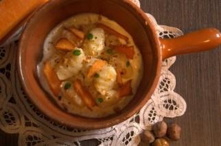 186.Gnocchi di patate su crema al Castelmagno, nocciole tostate e petali di zucca di Francesca