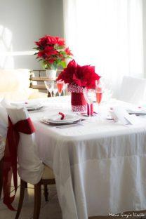 "12.La tavola di Natale di Maria Grazia: ""I'm dreaming of a white Christmas ...with a touch of red!"""