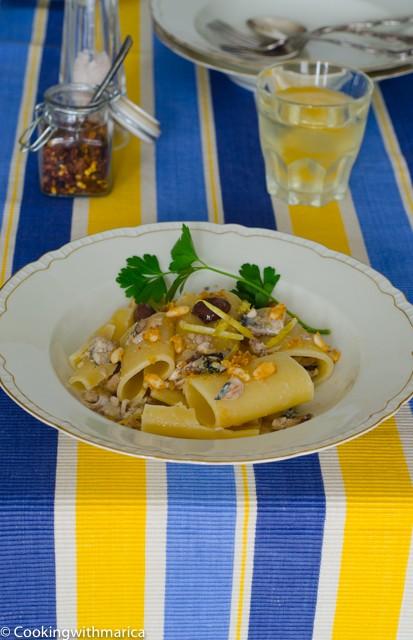 25. Paccheri con sgombro, olive e limone con mollica di pane e pinoli di Marica