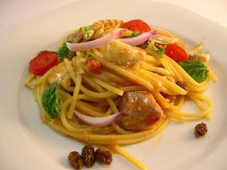 Pasta con tonno e pesce spada freschi al profumo di basilico e agrumi di Rosy
