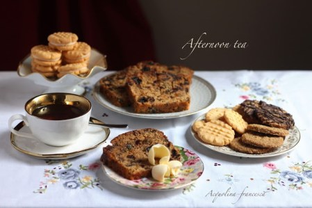 32. A Very British Afternoon Tea di Francesca Acquolina