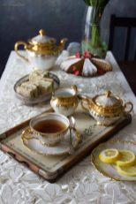 35. un tè inglese con tramezzini e torta di Lisa