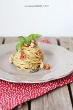 13. spaghetti rustici con sugo di pesce spada, con pesto di pistacchi, mandorle e arancia di Fabiola