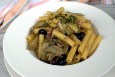 50. mezzi ziti con carciofi pancetta e olive di Giuliana