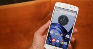 Motorola moto z play Android phone