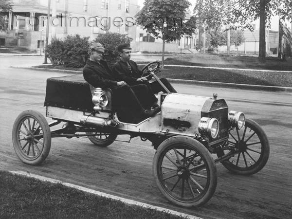 Model T Ford Forum  Old Photo   By Frank H Nowell taken in Seattle     Below is a photo of Car  2 taken Jun 1  1909 at the start of the race  ref  Stern s    Tin Lizzie    page 62