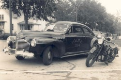 1941 police car and motorcycle