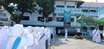 Petugas Apel Hari Santri Nasional Kebanggaan MTs Zainul Hasan.