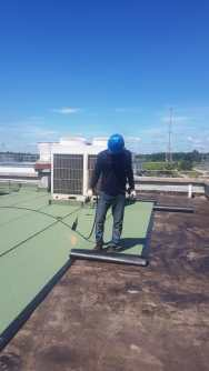pemasangan waterproofing membrane bakaar granule hijau 3 mm