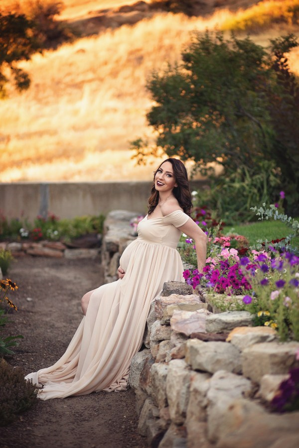 maternity photoshoot spring fall flowers sew trendy pregnancy gown