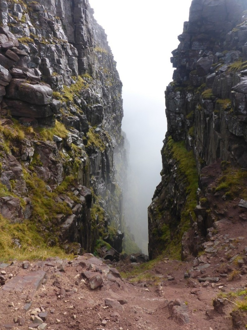The deep cleft of Eag Dubh