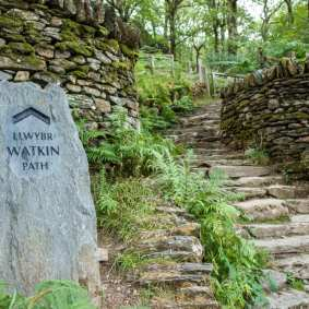 To Snowdon via the Watkin path - square