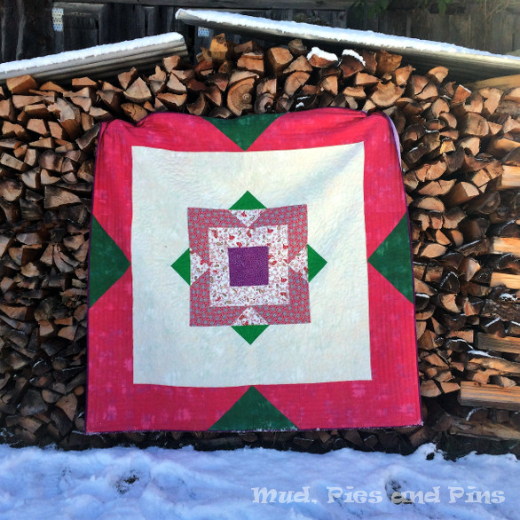Poinsettia Quilt| Mud, Pies and Pins