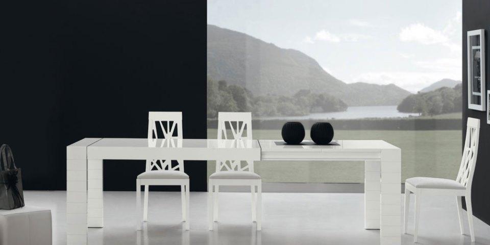 Mesa de comedor y sillas modelo Pemi 1000
