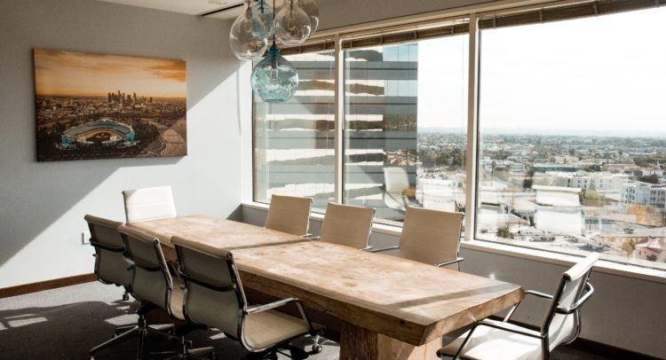 Confort y diseño en el espacio de trabajo