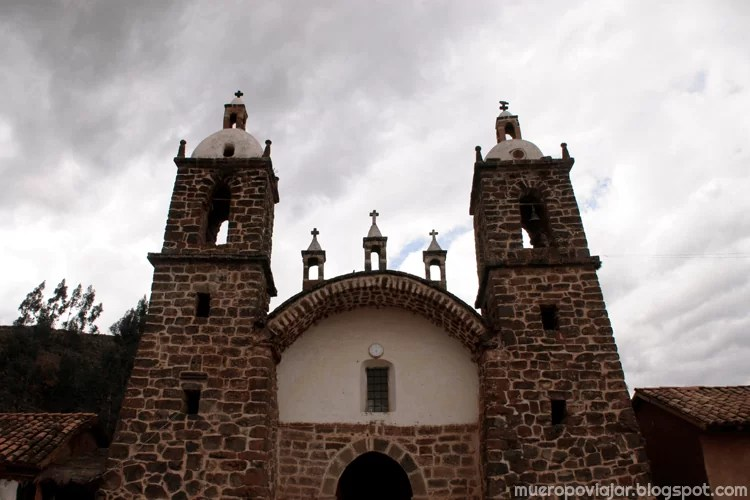 Fachada de la iglesia de Checacupe