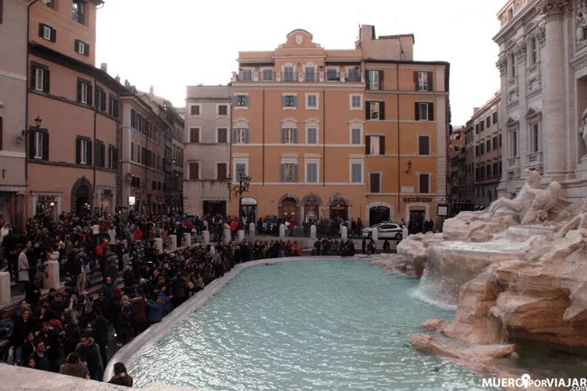 Siempre hay mucha gente en la Fontana di Trevi