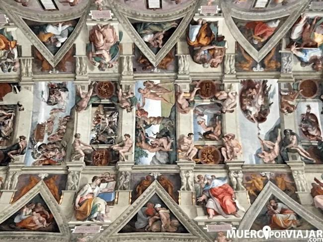 La capilla sixtina, obra de Miguel Ángel, es el plato fuerte de los Museos Vaticanos