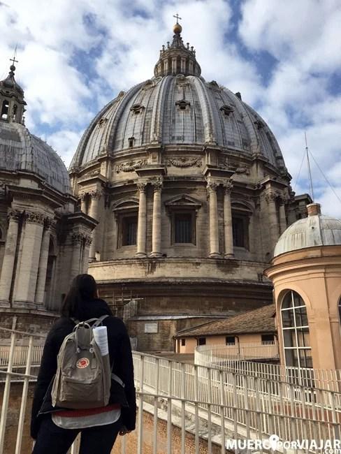Una vez en la parte superior, puedes pasear por el techo de la basílica