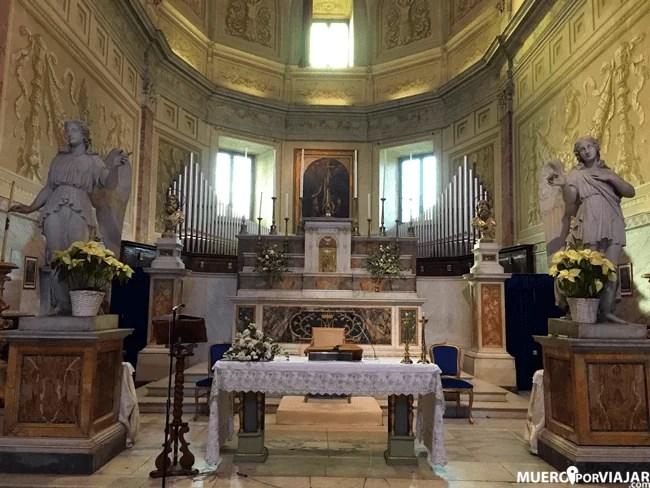 La Chiesa di San Pietro in Montorio es sorprendente en su interior