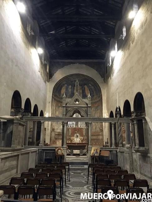 La iglesia donde está la Bocca de la Veritá