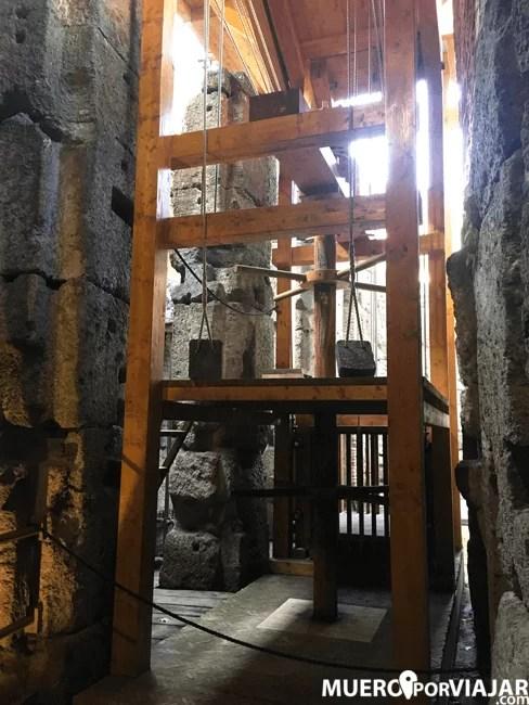 Reconstrucción de los mecanismos para subir personas, animales o atrezzo a la arena del Coliseo de Roma