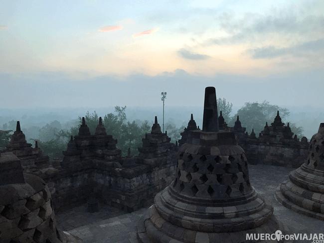 Los colores del amanecer de Borobudur