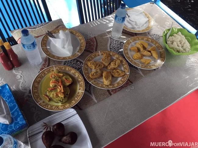 Los platos que nos prepararon estaban muy elaborados y muy buenos