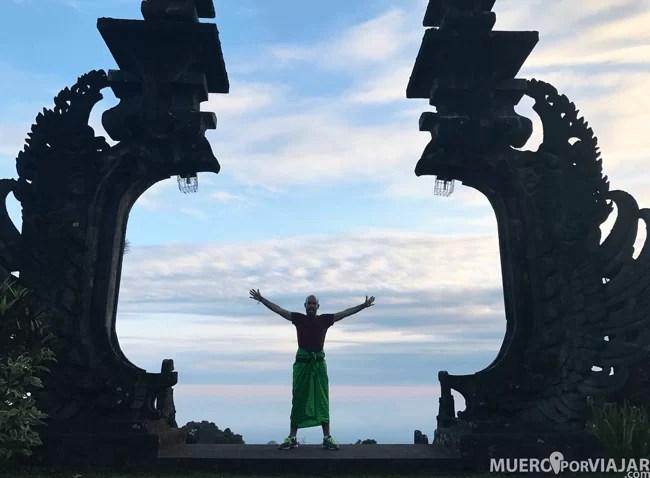 Las puertas del templo en Bali