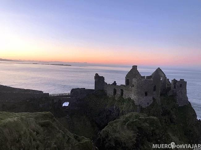 El Castillo de Dunluce al atardecer