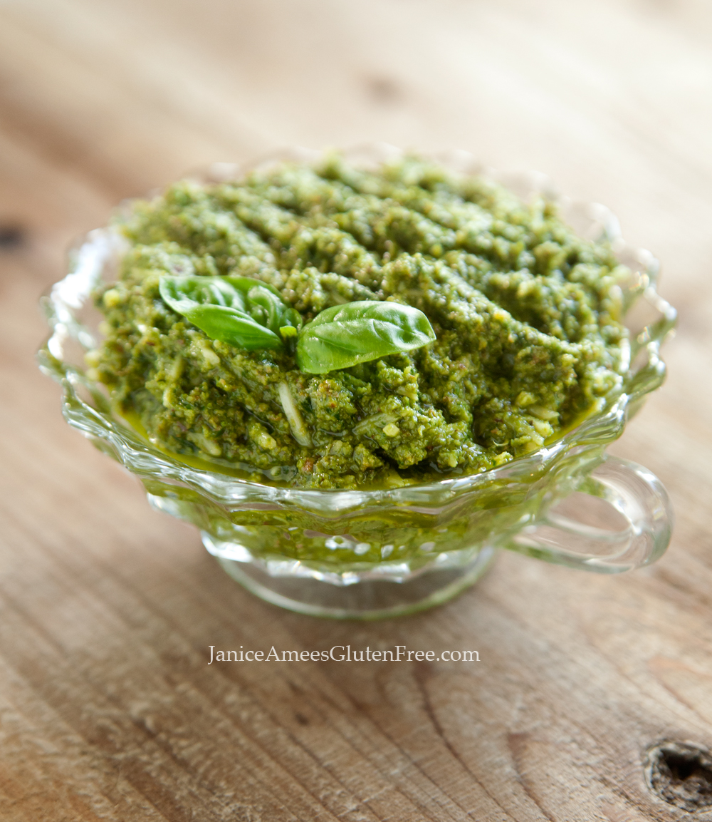 DELICIOUS homemade Pesto Sauce Recipe!