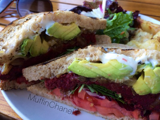 muffinchanel the plant organic cafe october favorites vegetarian lentils avocado beets mushrooms fries mixed greens 2