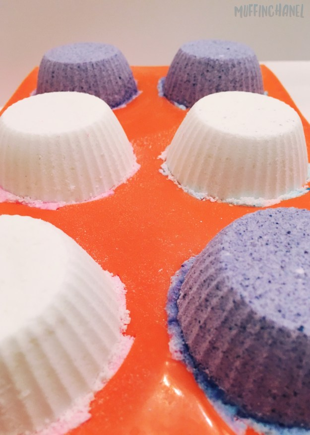 The cutest DIY Cupcake Bath Bomb on Pinterest. Love it! ❤ MuffinChanel total