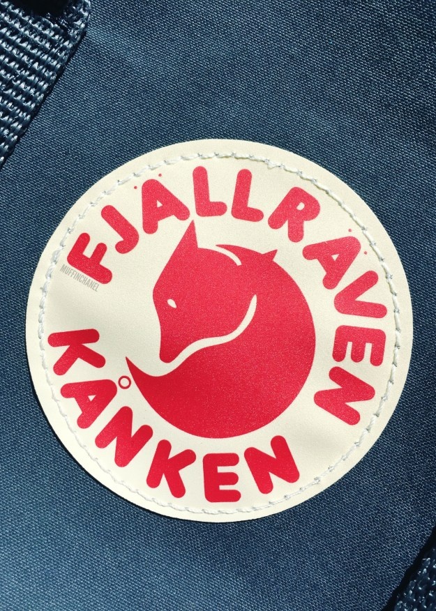 fjallraven kanken backpack review how big what's in my bag muffinchanel logo