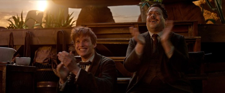 the-day-newt_jacob_clapping_fantastic_beasts_cc_trailer