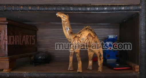 camel statue decor