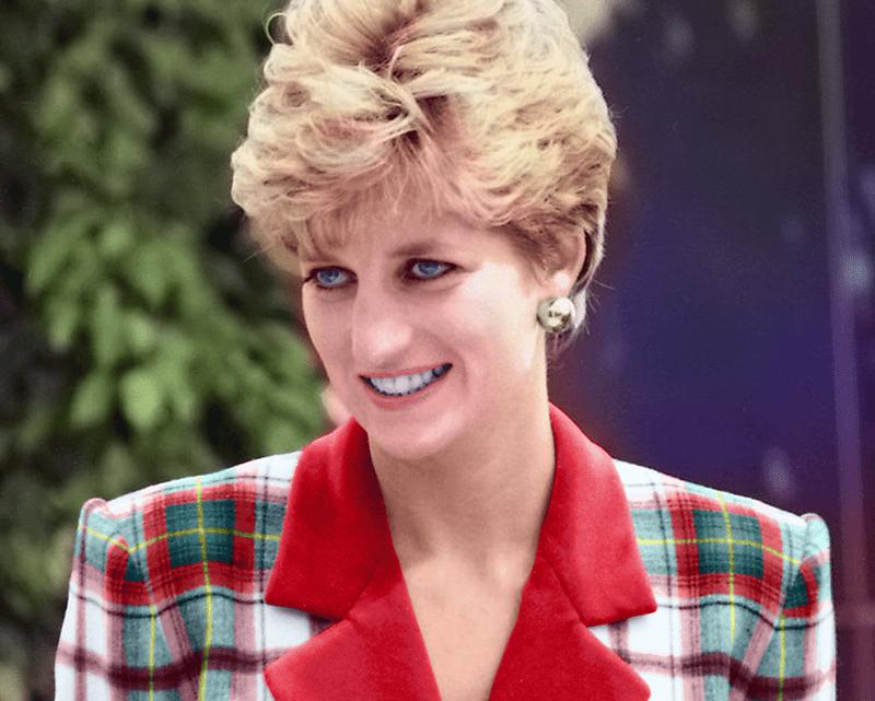 Fotografía: De Auguel - Trabajo propio. Colorization of Princess Diana at Accord Hospice.jpg, CC BY-SA 4.0, https://commons.wikimedia.org/w/index.php?curid=56294832