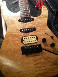 Muijen Superstrat quilted maple top