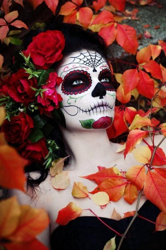 Resultado de imagen para catrina con flores rojas
