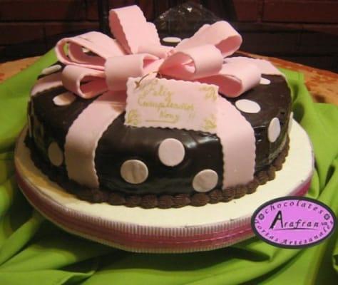 torta-regalo-cumpleaños-mujeres