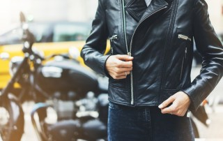 Consejos para limpiar la chaqueta de la moto