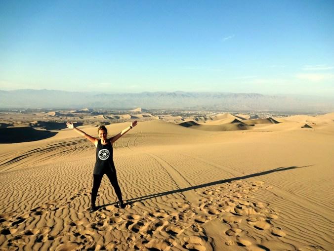 En las dunas de Huacachina, en Ica